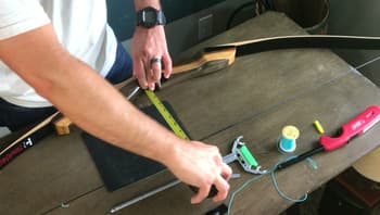 learn how to tie a nocking point on a recureve bow-measuring brace height